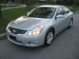 Nissan Altima 2010 - Excellent État / Excellent condition. BAS k