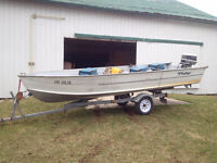 Fisher/Tracker 16 Foot Fishing Boat