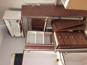 Used kitchen in good condition. Perfect for cottage or rental un