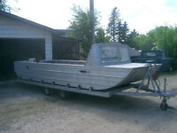 18' RIVER BOAT/ LAKE CRUISER