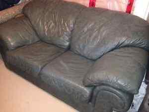 Leather Sofa Oakville / Halton Region Toronto (GTA) image 1