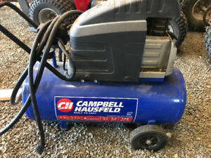 Campbell Hausfeld 8 gallon 2.5 hp 125 psi air compressor