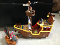 Jake and The Neverland Pirate Ship and Captain Hook Boat