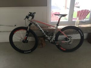 Scott Scale 965 - Rode twice, less than 50kms like NEW condition