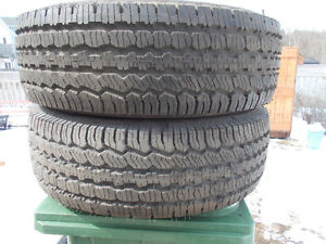p265/70/16 inch BF Goodrich Truck Tires / LIKE NEW / GOOD DEAL