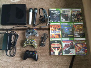 Xbox 360 - 3 controllers, 9 games, 1 headset, Microph,HDMI cable