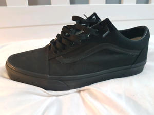 Selling Vans old skool mono shoes pristine condition $70