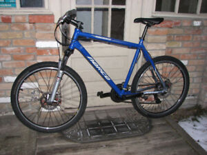 """22"""" Norco Commuter / City Bike - All new - ready for winter"""