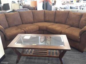 *** USED *** ASHLEY DARCY CAFE SECTIONAL   S/N:51212283   #STORE588
