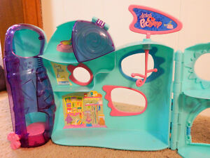 Littlest Pet Shop: Store and pet home Kitchener / Waterloo Kitchener Area image 5