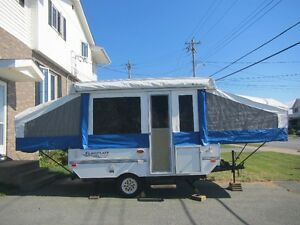 2005 Flagstall 10' Tent Trailer