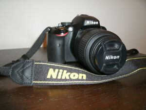 NIKON D5100 SLR 18-55mm + 32GB memory card: almost new