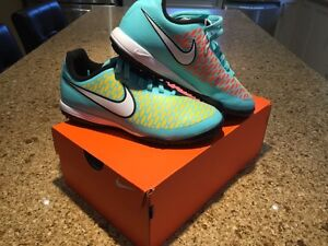Indoor soccer shoes (cleats)