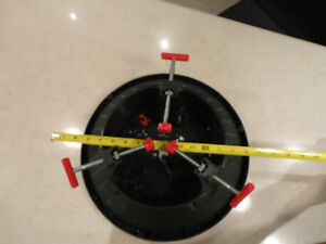 Christmas Tree Stand - Great Shape and works great! Kitchener / Waterloo Kitchener Area image 4