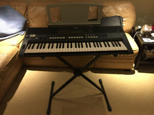 Yamaha Black keyboard PSR-E44 with stand and case