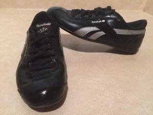 Women's Reebok Classic Shoes Size 7