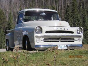 1957 FARGO (Dodge) short box restorod