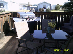 Wonderful Older Mobile Home AND Lot for Sale of Rent to OWN