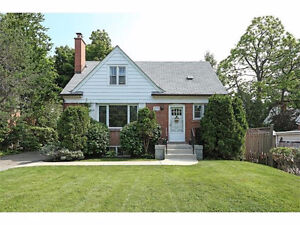 Fully renovated house with finished basement in Kerr village!