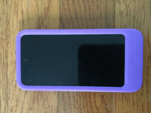 iPod touch 5 with Belkin purple case .
