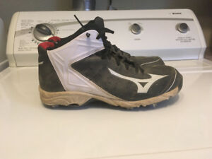 Mizuno metal baseball cleats size 8