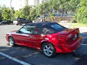 1993 Chevrolet Cavalier Z24 Convertible rouge