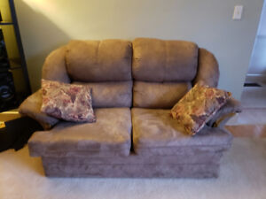 Matching Couch (pull out), Love seat and Chair