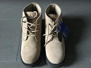 Brand New Men's Kangol Boots