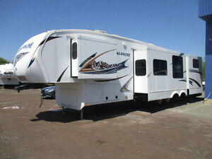 2012 Avalanche 340TG by Keystone with 4 Slides