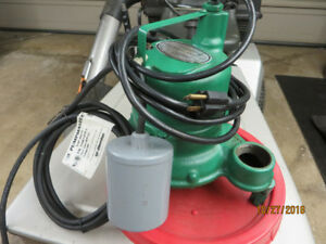 """New1-1/2"""" Cast Iron Hydromatic Submersible/ Effluent Pump .33HP"""