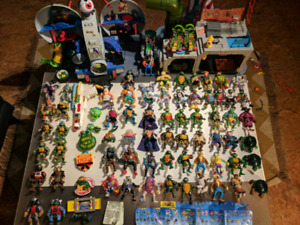 Huge lot vintage TMNT figures and playsets
