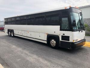 Autobus MCI 102DL3 2000