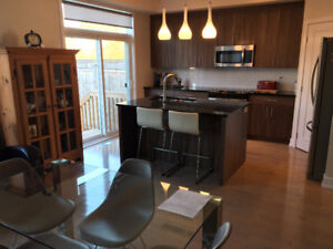 Beautiful central 3 Bed Home Available Jan or Feb