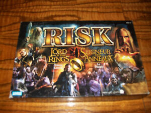 Risk The Lord of the Rings Trilogy Edition Board Game Parker Bro