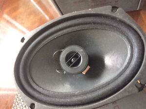 BRAND NEW, IN THE BOX   SPEAKERS  (2PIECE)