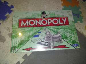 Mickey phone Monopoly game new in package Hy 7 location