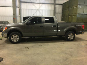 Low miles/very clean 2011 Ford F-150 crew cab xlt 5 litre