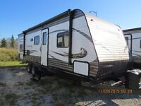 2016 TRAIL RUNNER 27 SLE GREAT FAMILY LAYOUT!!