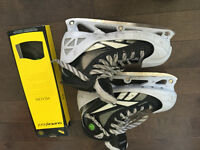 Reebok 7k size 5.5 with pump with SUPER FEET