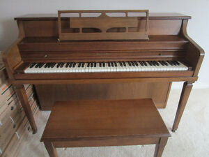 Piano for sale, includes bench $500 OBO Peterborough Peterborough Area image 2