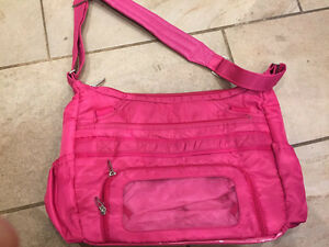 LUG Bag - hot pink Excellent Used Condition  London Ontario image 3