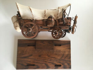 PIONEER HORSE DRAWN CARRIAGE WAGON - model, wood