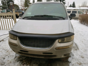 2000 AWD Chrysler Town & Country