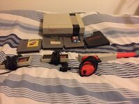 Nintendo Entertainment System NES 2 controllers, Zapper and games. GREAT CHRISTMAS GIFT! NO CABLES