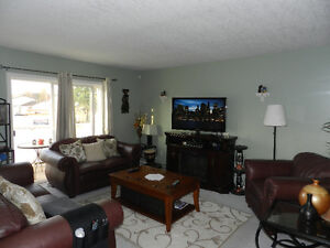 Two Bedrooms Bright Upper Duplex for Rent-All Utilities Included Prince George British Columbia image 4