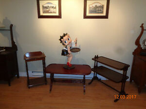 ANIQUE AND VINTAGE TABLES