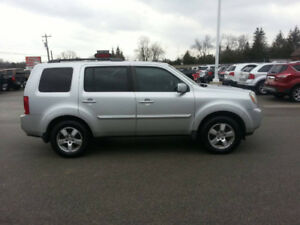 2010 Honda Pilot EX-L  Fully Loaded AWD Leather Sunroof DVD
