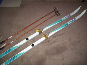 WAXLESS and WAXABLE CROSS COUNTRY SKIS AND POLES