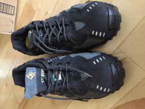 Brand new men Terra steal toes shoes size 10.5