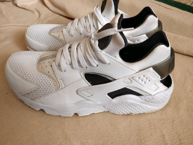 796194e2f3b Nike Air Huarache shoes trainer size 8-9 £120